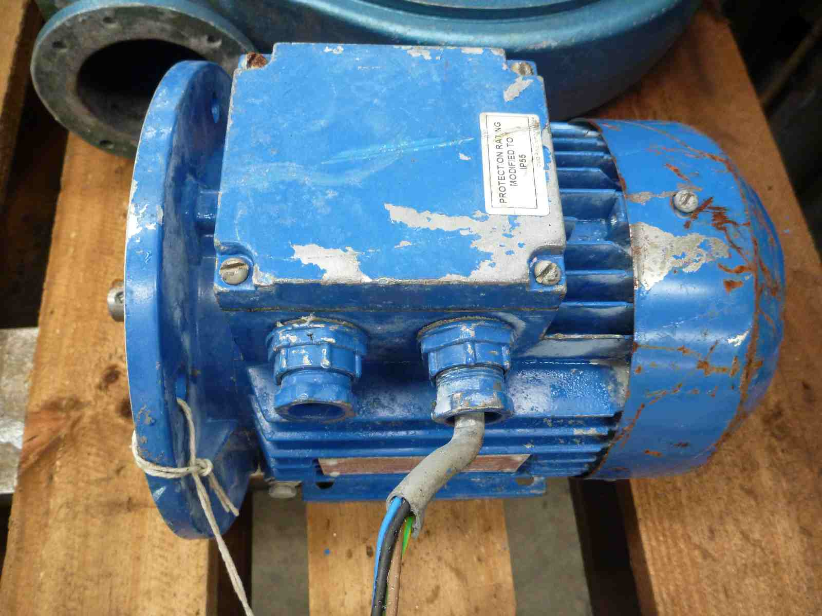 CMG 1HP 3 PHASE ELECTRIC MOTOR   Bills Machinery.