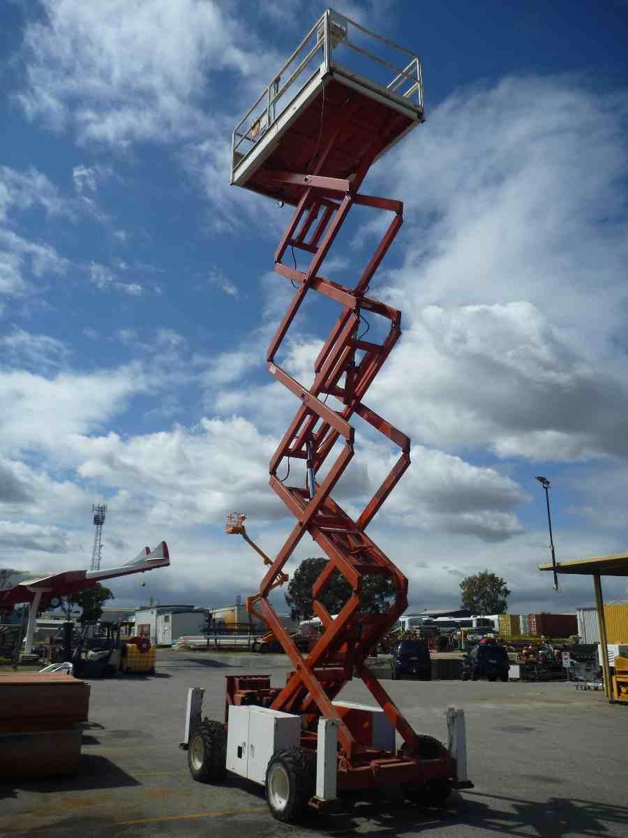 SNORKEL 40FT ROUGH TERRAIN SCISSOR LIFT | Bills Machinery