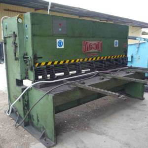 Photo of HYDRACUT 2500MM WIDE  METAL GUILLOTINE