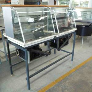 Photo of REFRIGERATED DISPLAY CASE