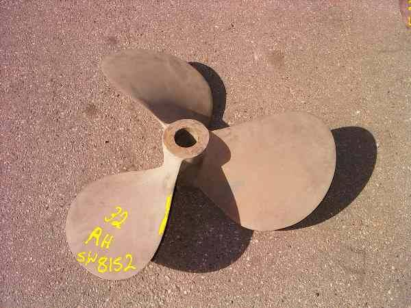 Photo of BRONZE 32INCH BOAT PROPELLER