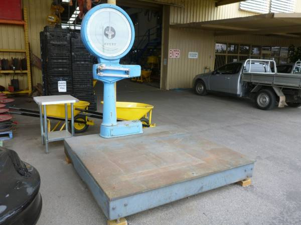 Photo of AVERY 2600KG DIAL FACE SCALES