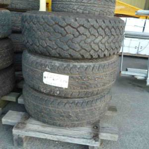 Photo of KUMHO 255/70R16 TYRE ON 6 STUD RIM