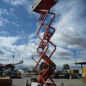 Photo of SNORKEL 40FT ROUGH TERRAIN SCISSOR LIFT