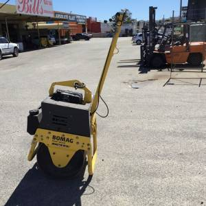 Photo of BOMAG BW71E2 DIESEL SINGLE DRUM VIBRATORY ROLLER