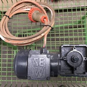 Photo of SEW 3 PHASE 1 HP REDUCTION BOX MOTOR 24 RPM