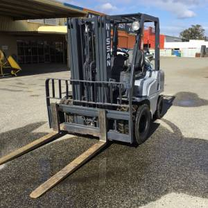 Photo of NISSAN GAS 2.5TON FORKLIFT