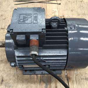 Photo of WESTERN ELECTRIC 5.5HP 2900RPM 3 PHASE ELECTRIC MOTOR