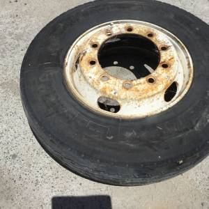 Photo of ADVANCE 22.5 11R TYRE ON RIM